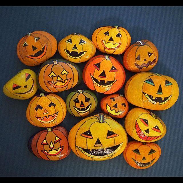 65e88248e9b9f1634d45f53e5734d1a3--halloween-pumpkins-painted-stones