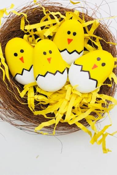 Easter-rock-painting-make-these-great-easter-chicks-by-painting-pebbles-a-great-easter-craft-for-kids-5